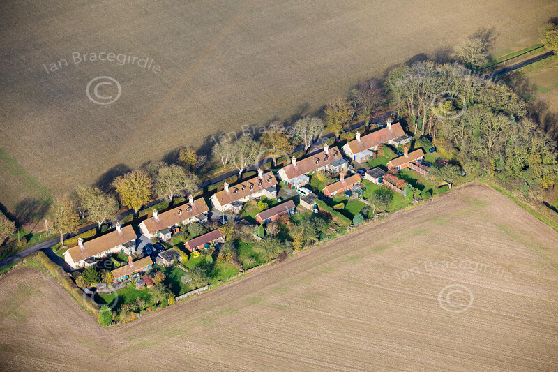 Aerial photo of cottages near Normanton.