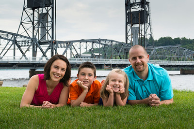 Crothers Family @ the Stillwater Lift Bridge