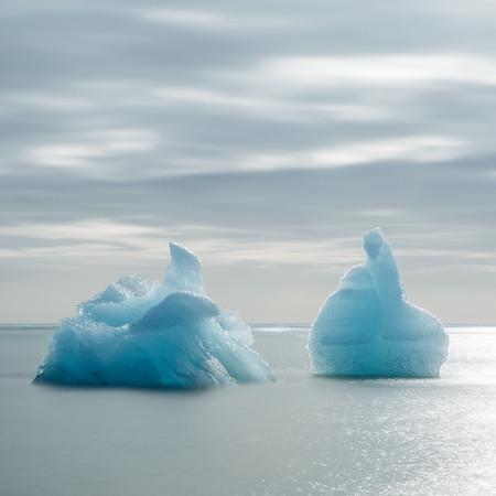 Glacier ice sits in the Atlantic ocean at Jökulsárlón