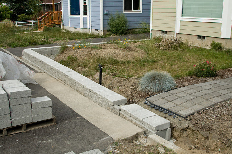 Wall complete from the foundation to the steps.