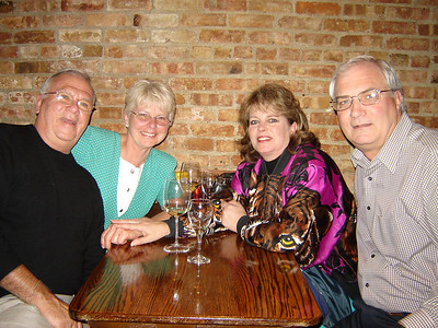 Our Cruising Friends  Jeff and Rae along with us got together for a few drinks at Mickey Fins in Libertyville