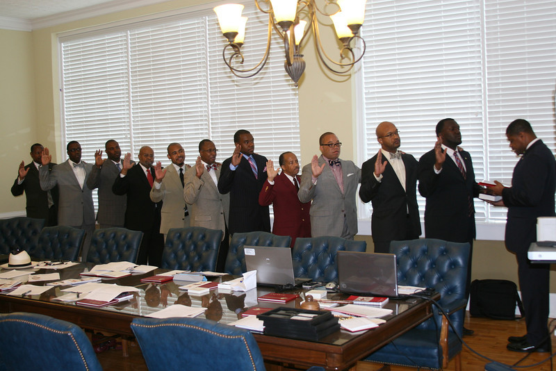 Southeastern Province Polemarch Lawrence Davis issues the Oath of Office to the 2013-14 Officers of the Carrollton/Douglasville Alumni Chapter of Kappa Alpha Psi Fraternity, Inc.