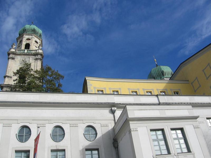 Passau-Janet White