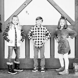 Barn Door Trio bw (1 of 1)