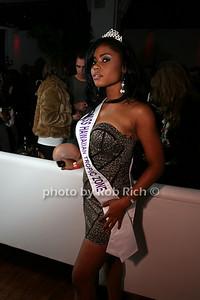 Nimota Atanba, Miss Hawian Tropic