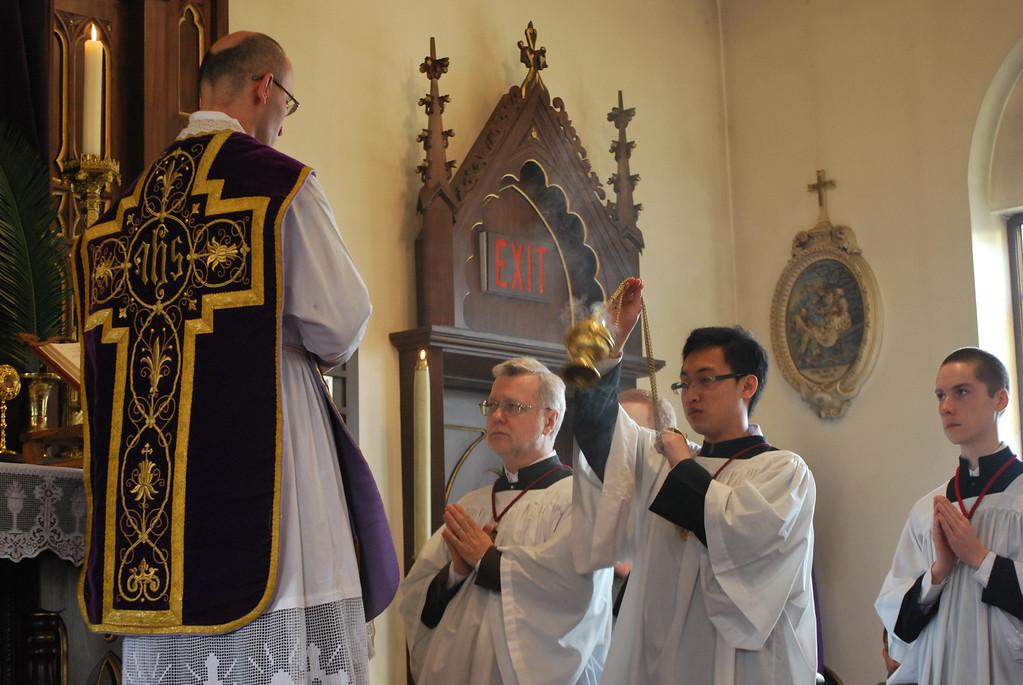 obediens usque ad mortem mortem autem crucis.