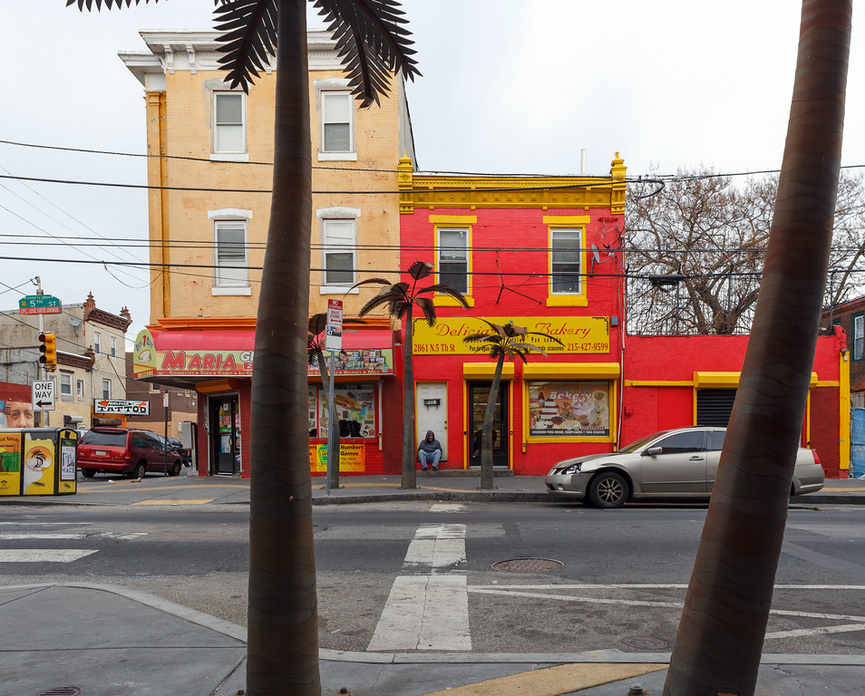5th and Cambria, the Golden Block/el Bloque de Oro