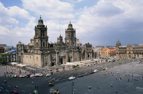 M002, Fig. 1.2 Main Plaza (Zocalo) in Mexico City<br /> Choice 3 of 6