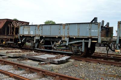 DB984223 20t Ballast Grampus at Goodrington Sidings  29/08/15.