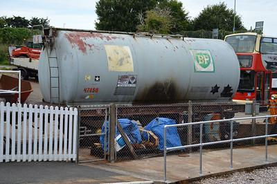 67450 32t Petroleum Tank at Churston Station  29/08/15.