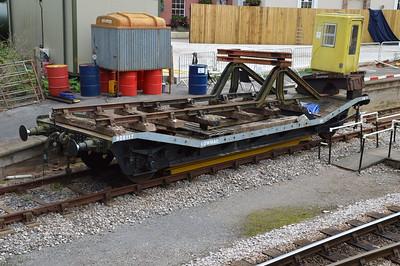 B905117 15t 4w Lowmac at Churston Station  29/08/15.