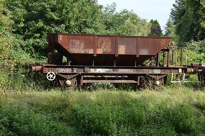 DB993035 or DB993365 at Churston Sidings  29/08/15.