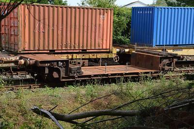 DB900108 20t 4w Flatrol at Churston Sidings  29/08/15.
