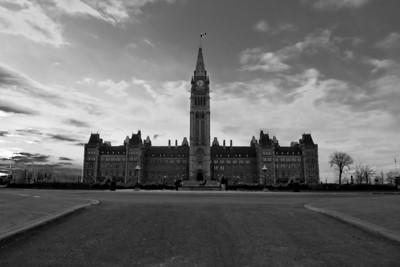 Center Black, Parliament Hill