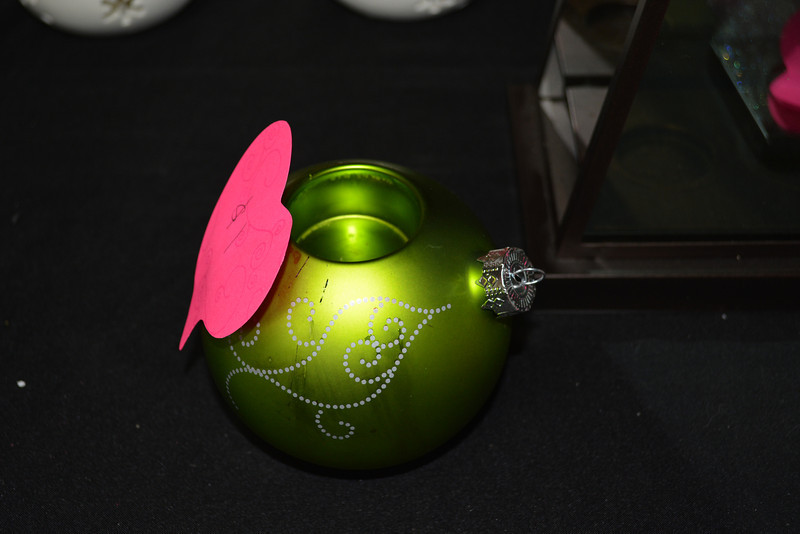Green Ornament Tealight Holder $2 RETIRED