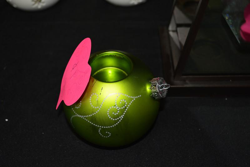 Green Ornament Tealight Holder $2 RETIRED