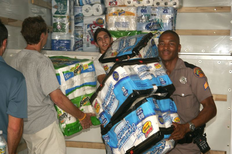 Officer Causey from Gainesville, FL lends a hand