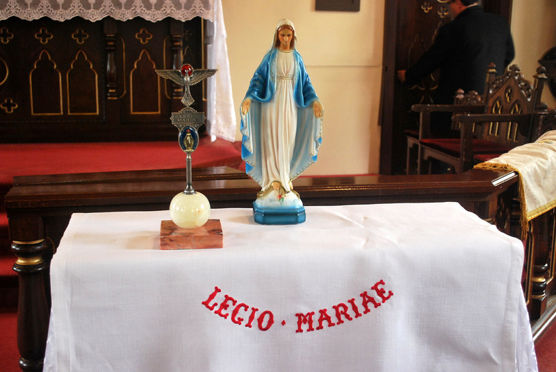 All is in the hand of Mary