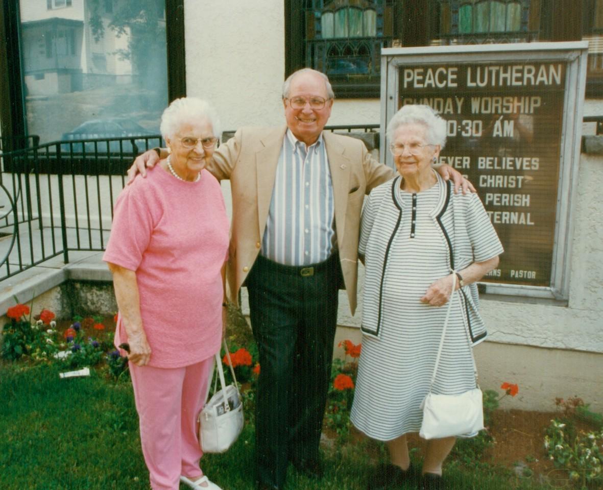 Freda Monske, Ernest Kent, Lona Lisowski
