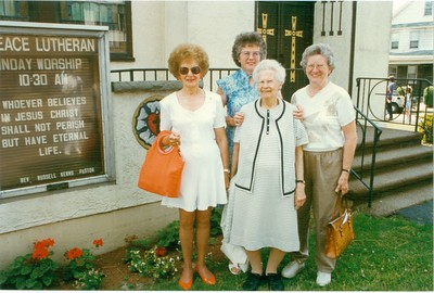 Lillian Wheeler, Grace Morris, Lona Lisowski, Elsie Schweitzer
