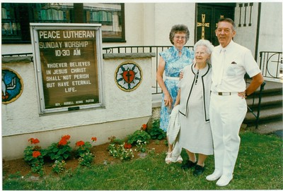 Grace and Marshall Morris with Lona Lisowski