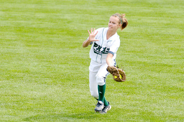 Heather Wendling catches a fly ball.