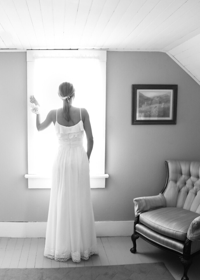 Window Bride bw (1 of 1)