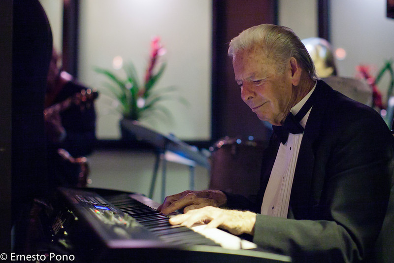 "For week ending 14-Apr-2012<br /> <br /> I want to be cool like this gentleman.  He was the piano player at a resturant in San Juan Capistrano, California.  He seemed to have a zest for life and even carted in his own keyboard.<br /> <br /> We were on our way to San Diego for a birthday party but got stuck in traffic.  We decided to eat dinner and found ""The Vintage"" steakhouse.  It was good, but the music was better."