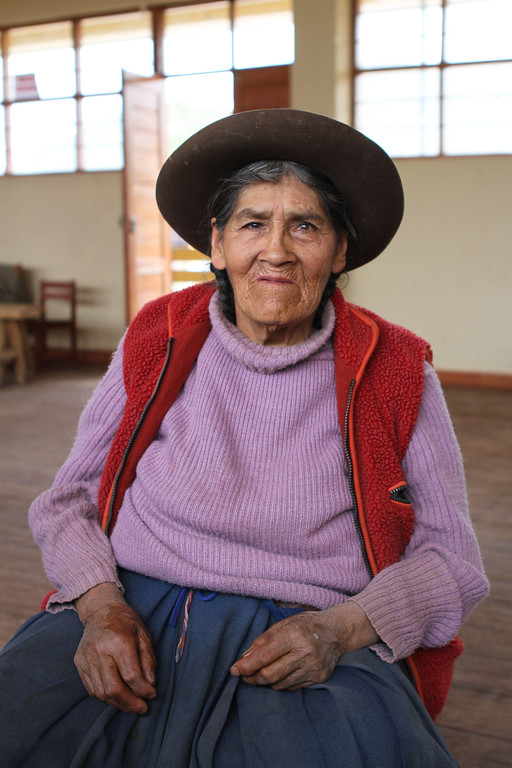 We saw adults too in the afternoon. First insight into Peruvian life. This woman still worked in the fields.