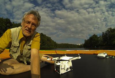 Hannes Schießl mit Phantom auf Flugzeugträger im See