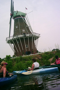 Hoort kayaking expedition near Windmill Is.