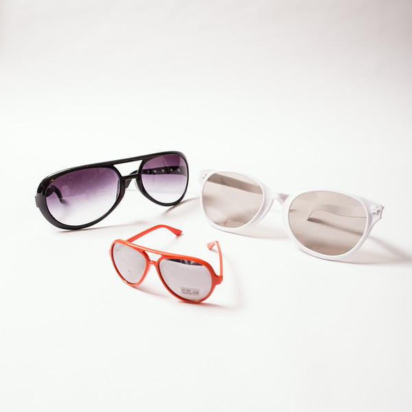 Sunglasses of different shapes and sizes