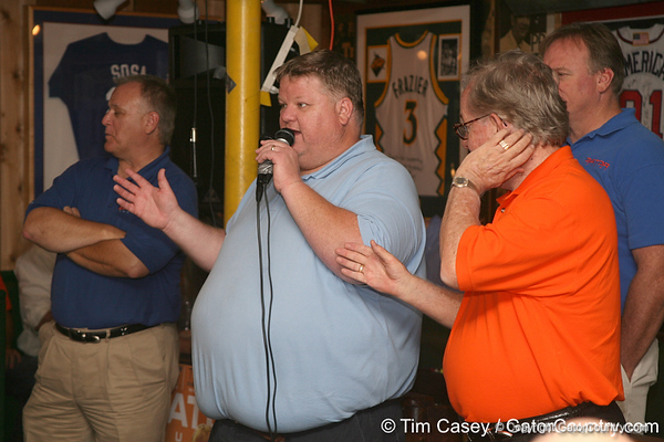 """photo by Tim Casey<br /> <br /> Gator Country Recruiting Coordinator """"Hollywood"""" Bob Redman answers questions about Florida football recruiting during the seventh Gator Country Caravan stop on Tuesday, July 29, 2008 at the Press Box Sports Bar in Tampa, Fla."""