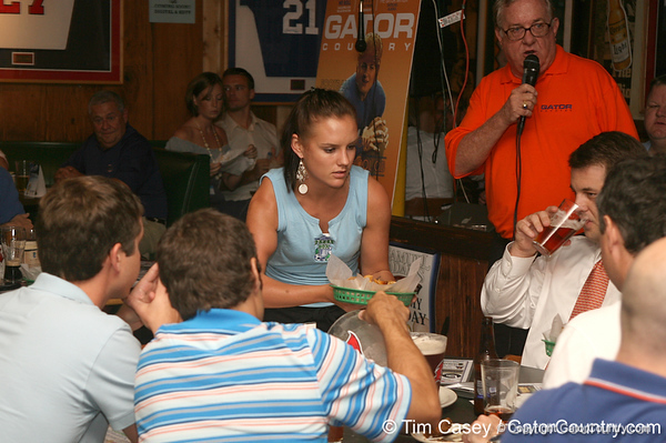 photo by Tim Casey<br /> <br /> Guests enjoy food and beverages during the seventh Gator Country Caravan stop on Tuesday, July 29, 2008 at the Press Box Sports Bar in Tampa, Fla.