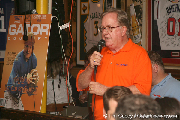 photo by Tim Casey<br /> <br /> Gator Country Executive Editor Buddy Martin speaks to guests during the seventh Gator Country Caravan stop on Tuesday, July 29, 2008 at the Press Box Sports Bar in Tampa, Fla.
