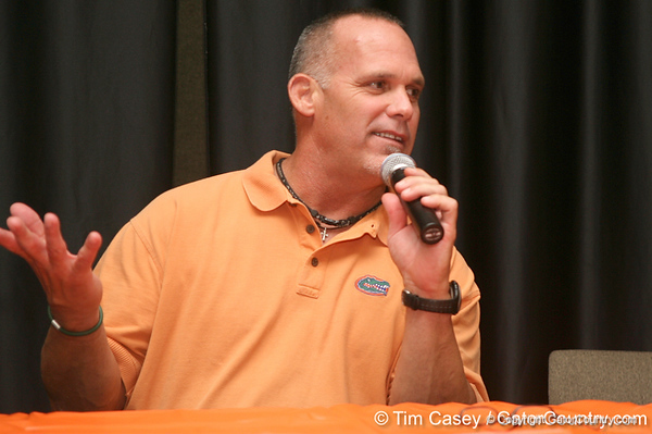photo by Tim Casey<br /> <br /> Florida football great and Tampa radio host Scot Brantley speaks as part of a panel discussion during the Marion County Gator Club's Gator Gathering (and ninth stop of the Gator Country Caravan) on Thursday, July 31, 2008 at Central Florida Community College in Ocala, Fla.
