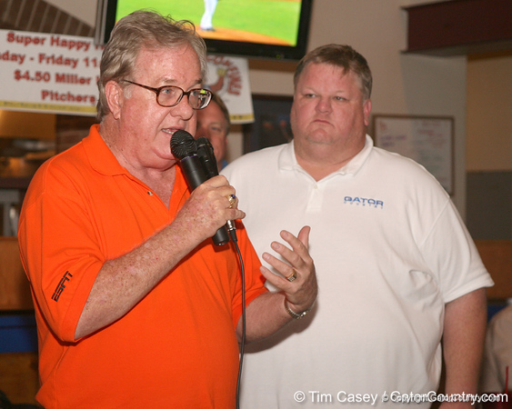 photo by Tim Casey<br /> <br /> Gator Country Executive Editor Buddy Martin speaks with guests during the eighth stop of the Gator Country Caravan on Wednesday, July 30, 2008 at the Friendly Confines Sports Restaurant in Winter Park, Fla.