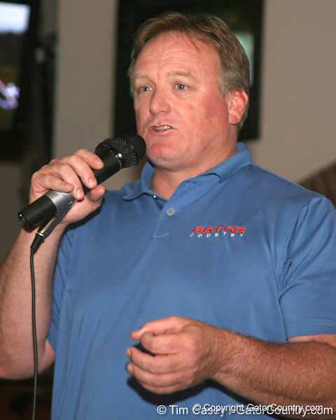 photo by Tim Casey<br /> <br /> Gator Country Senior Columnist/Radio Host Mark McLeod speaks with guests during the eighth stop of the Gator Country Caravan on Wednesday, July 30, 2008 at the Friendly Confines Sports Restaurant in Winter Park, Fla.
