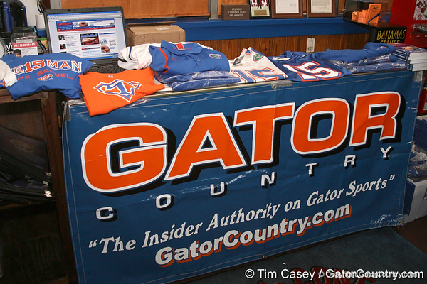 photo by Tim Casey<br /> <br /> A mobile version of the Gator Country shop was open during the eighth stop of the Gator Country Caravan on Wednesday, July 30, 2008 at the Friendly Confines Sports Restaurant in Winter Park, Fla.