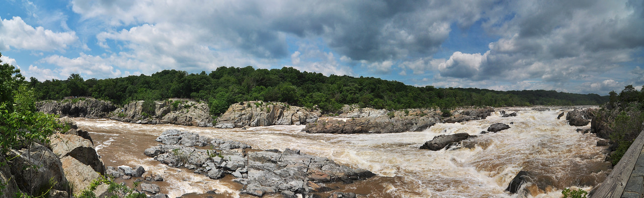 June 12th,  Well after the pleasant surprise of the amount of Blue Heron, I did finally shoot a few pictures of Great Falls.