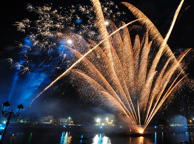 Looking for Oman world fireworks championship photos? Check this gallery:  http://www.solariz3d.com/Events/World-fireworks-competition/15024272_HUEqM#1122160744_PF7vT  Fireworks show during Muscat festival, Qurum natural park, Muscat, Oman