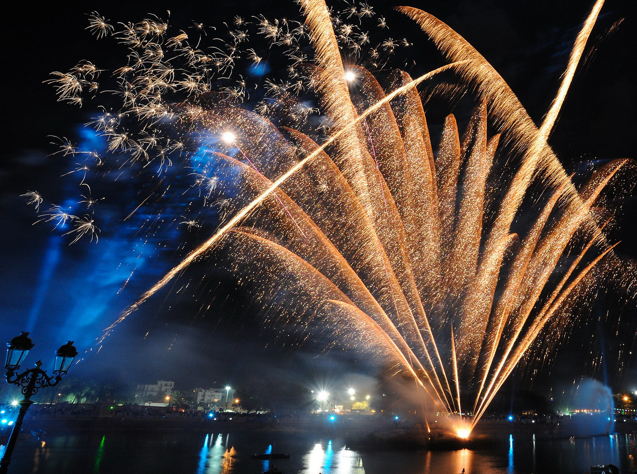 """Looking for Oman world fireworks championship photos? Check this gallery:<br /> <br />  <a href=""""http://www.solariz3d.com/Events/World-fireworks-competition/15024272_HUEqM#1122160744_PF7vT"""">http://www.solariz3d.com/Events/World-fireworks-competition/15024272_HUEqM#1122160744_PF7vT</a><br /> <br /> Fireworks show during Muscat festival, Qurum natural park, Muscat, Oman"""