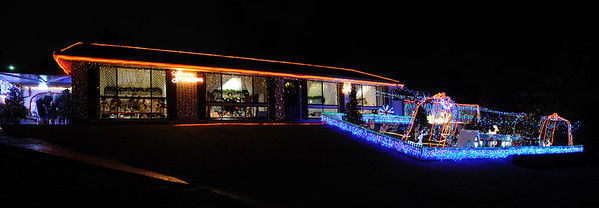 The winners of Gold Coast City Council Christmas Lights 2011 - 1st Place (Ashmore, 5 Tyalla Drive)