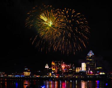 150605 CVG Friday Fireworkss