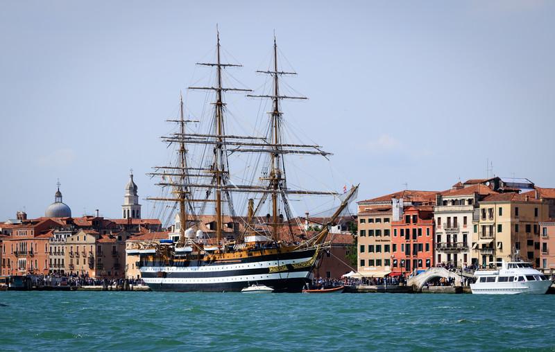 Americus Vespucci in Port