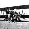 Mon premier avion de lâcher, un Farmand'entraînement avec légende: «Notre taxi! Notre bolide apte à faire la traversée de l'Atlantique!!!»