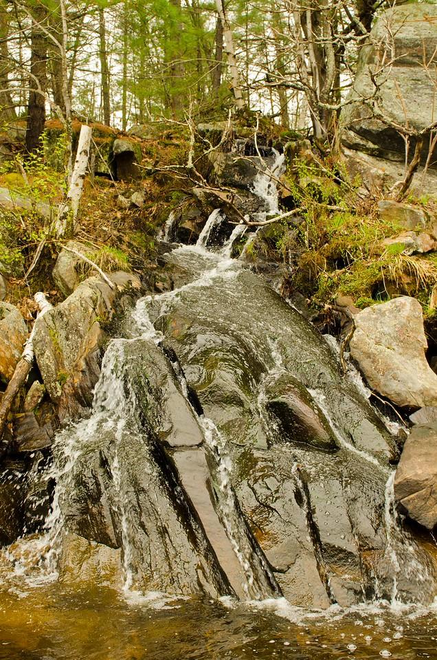 Waterfall on Lone tree lake