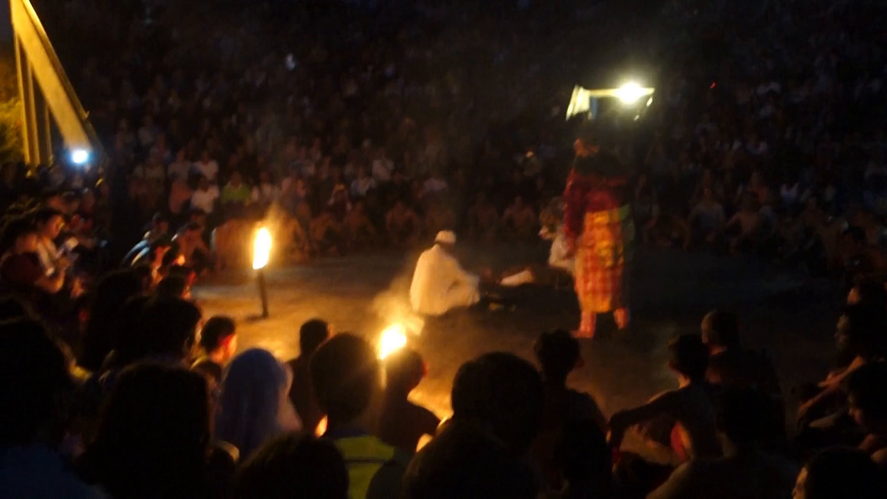The breathtaking Fire Dance at Uluwatu (Video)