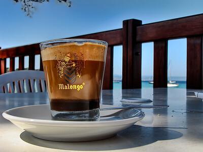 Cafe a la mer