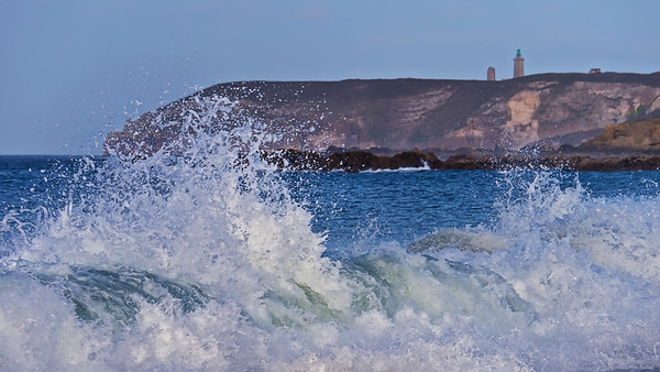 Breaking waves in front of Cap Frehel